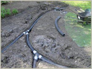 прокладка труб при монтаже водоотводящей системы