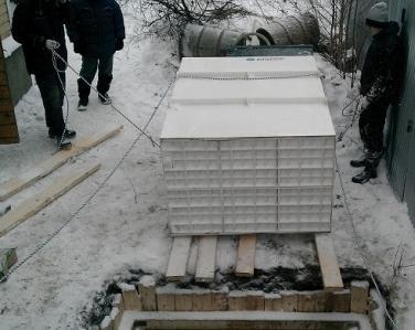Подготовка станции Юнилос к спуску в котлован