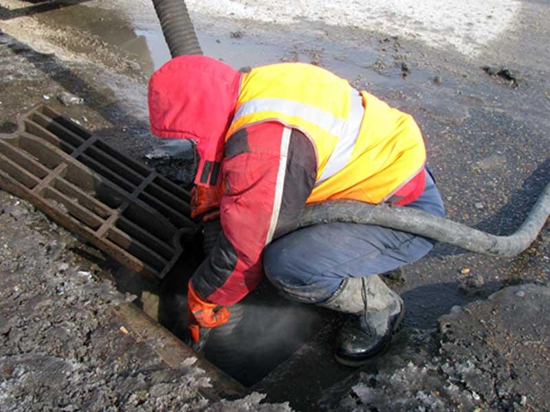 Промывка ливневой канализации водой под давлением